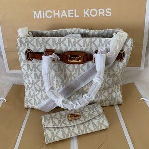 MICHAEL. Michael Kors Shoulder Bag & Wallet
